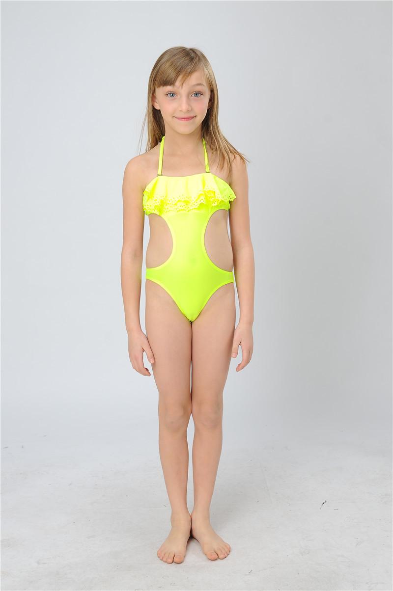 1x swimwear (0.15kg/piece).