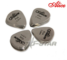 Free Shipping Alice Stainless Steel Triangle Shape Metal Guitar Picks 0.3mm(China (Mainland))