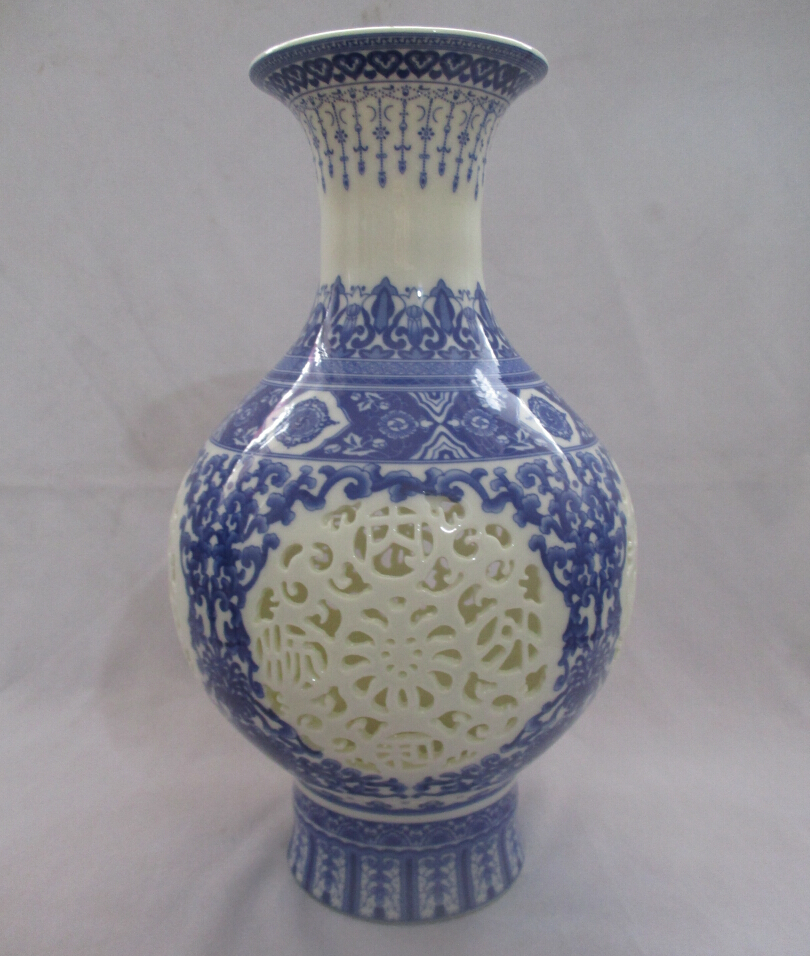 Collect H:11 inch Chinese Blue and White Porcelain Vase/Classic Jingdezhen Ceramic tabletop Vase V0007(China (Mainland))