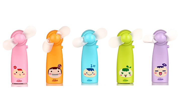 New 2015 Doll Mini Fan Hand Plastic Ventilator Battery Electric Air Cooling Beep Yelpaze to Home Portable 1pc Free Shipping(China (Mainland))