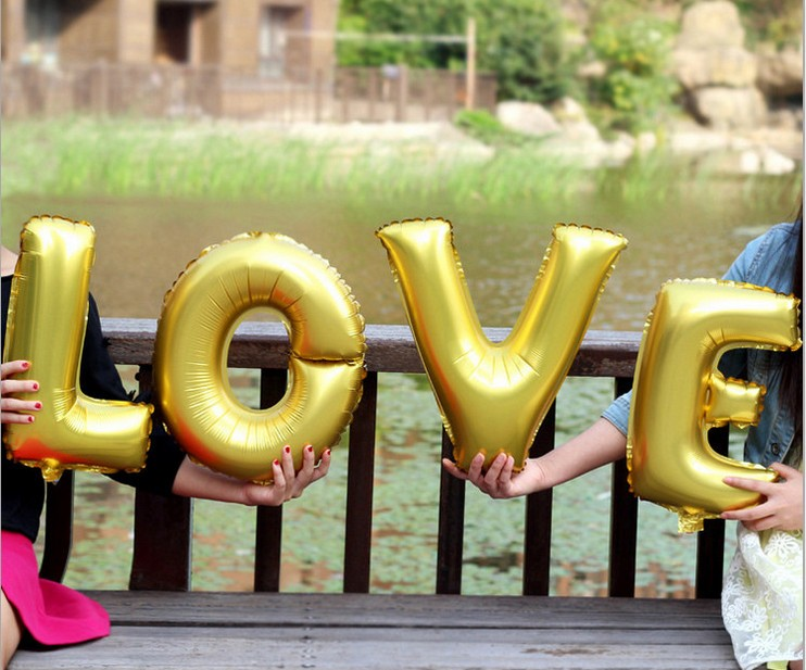 "4Pcs/set Large 32CM ""LOVE"" Large Aluminum Foil Balloons Bright Gold Letter LOVE Balloon for Romantic Wedding Party Decoration(China (Mainland))"