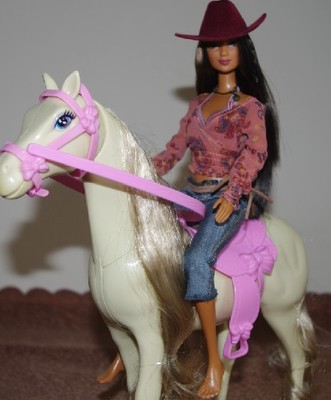 Free  Delivery,Christmas present/Birthday present Beautiful horse for Barbie doll,kurhn doll,Liv doll