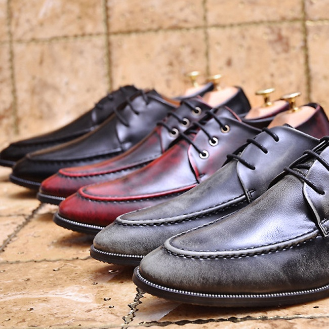 Brand New Mens Leather Shoes Business Formal Brogue Pointed Toe Carved Oxfords Vintage Dress Shoes Plus Size 39-43<br><br>Aliexpress