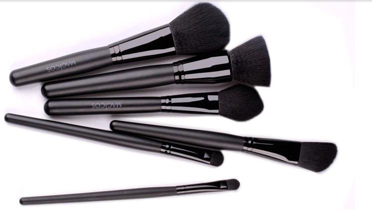 High quality batom Mc cosmetics 11 pieces/set professional make up brush package Powder blush makeup brush sets free shipping(China (Mainland))
