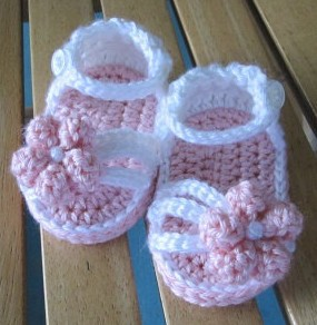 10%off!HOT SALE Knit baby shoes Free shipping For 0-12 months Lovely Crochet Sandals First walker shoes.1pairs/2pcs(China (Mainland))