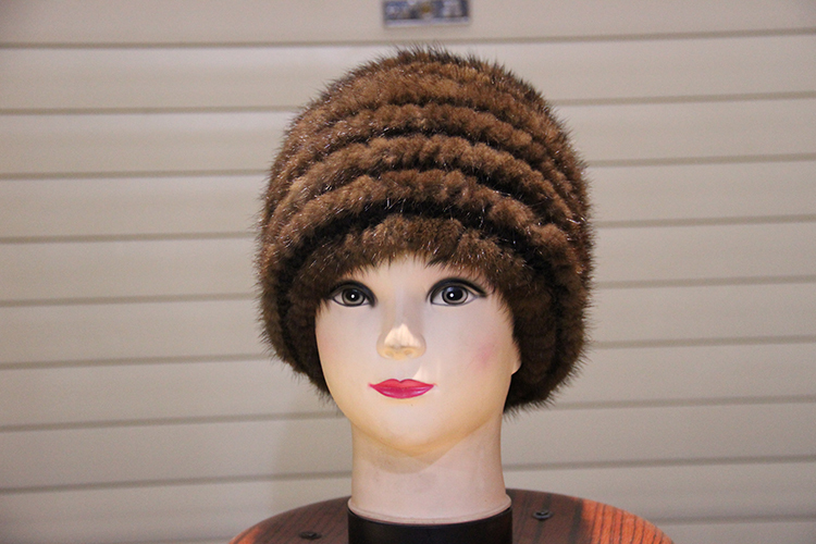 Three-ring mink knitted hat fur type female insignia on a cap to keep warm(China (Mainland))