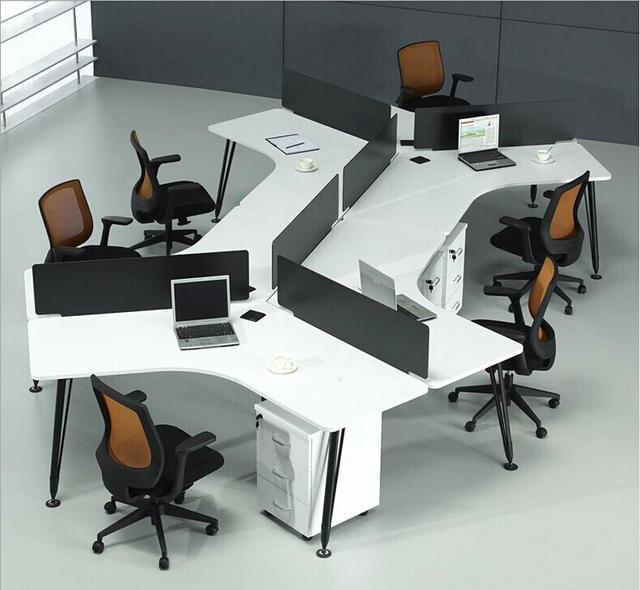 Oficina escritorios y sillas en f brica de mobiliario de for Fabricantes de mobiliario de oficina