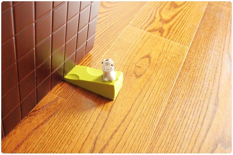 Silicone Cow cartoon child safety door stop baby splines creative windproof door plug silica gel prevent the folder hand TAQ34