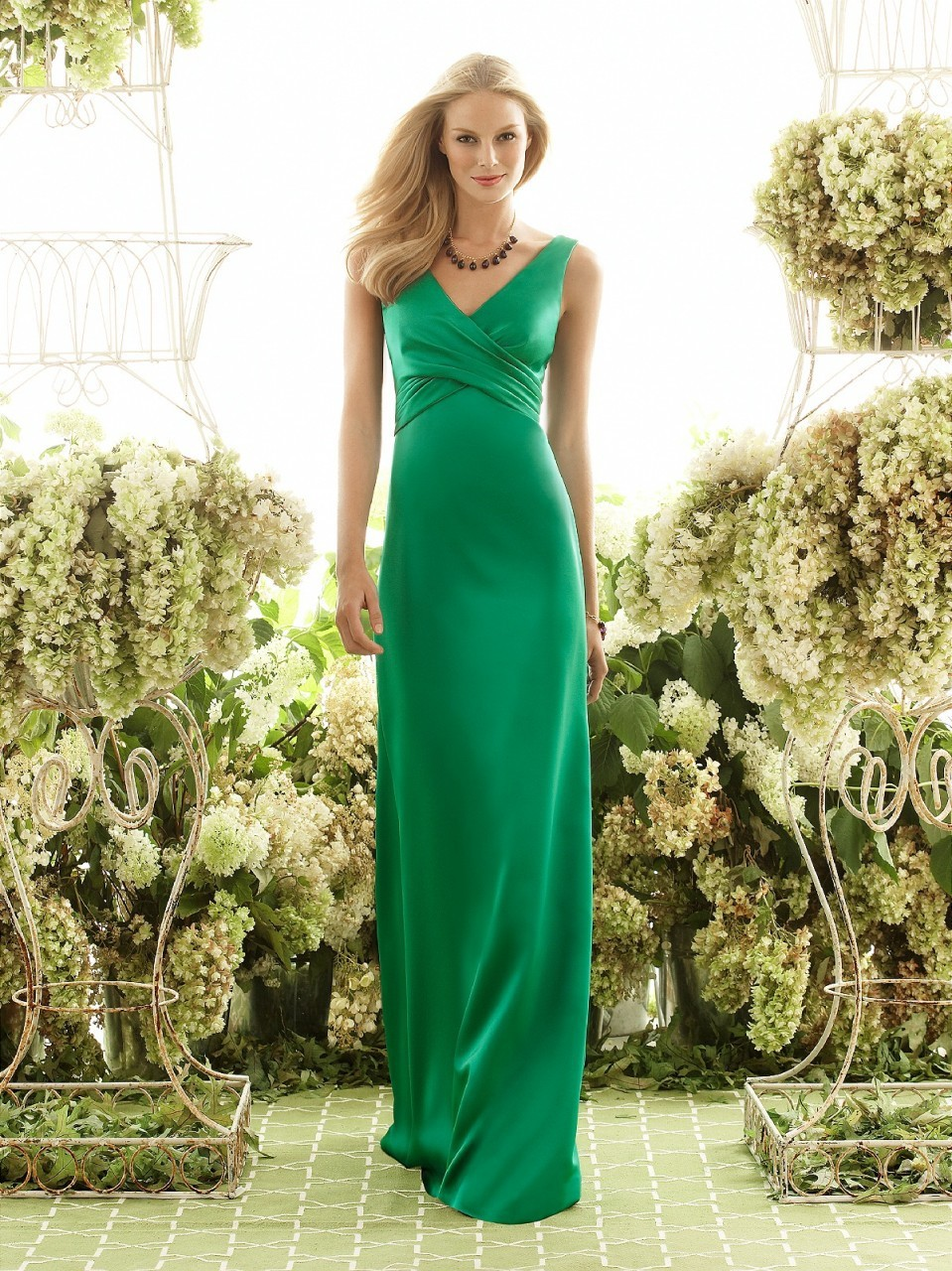 Buy bw8105 plus size v neck empire a line for Wedding dresses with green