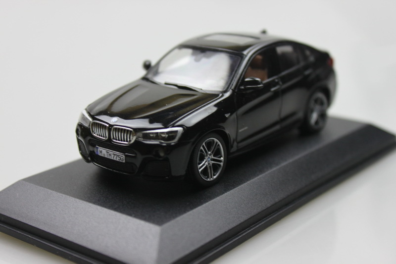 herpa 1:43 X4 SUV with Display Box alloy model car toy gift collection black free shipping(China (Mainland))