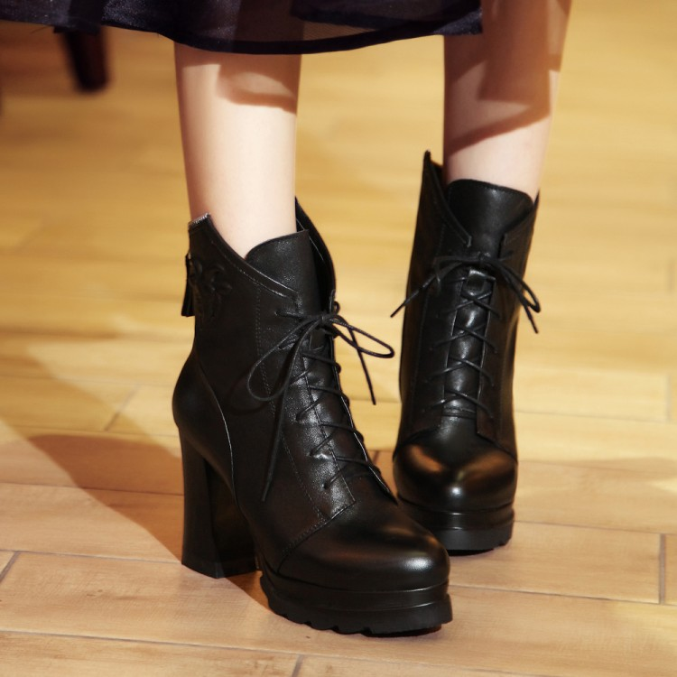 Фотография 2016 New Women Leather Autumn Ankle Boots Martin Platform Motorcycle Boots Women Shoes on spike Heels Ladies Botas size 34-40