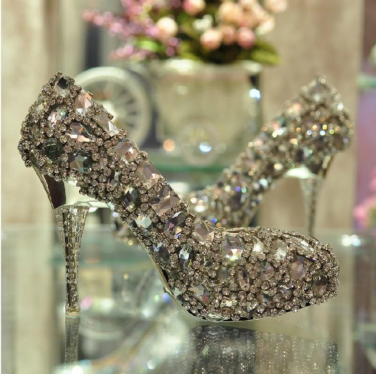 Ultra Luxurious Satin Upper Stiletto Heel Women shinny colorful rhinestone Wedding shoes Ladies Big Diamond party dress shoes<br><br>Aliexpress