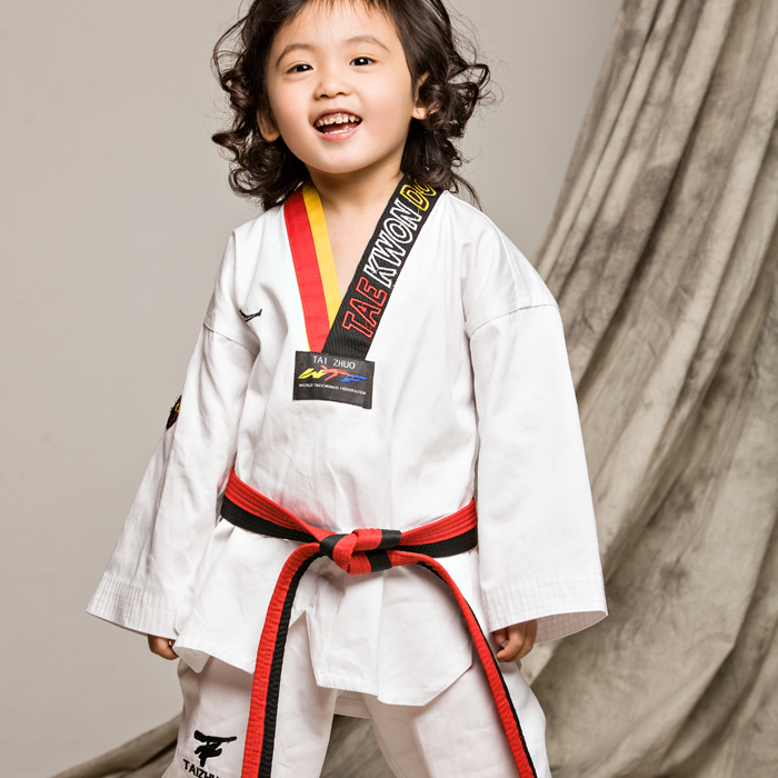 100%Cotton children kids Taekwondo dobok long-sleeve taekwondo outfit uniform kickboxing training suit English collar embroidery(China (Mainland))