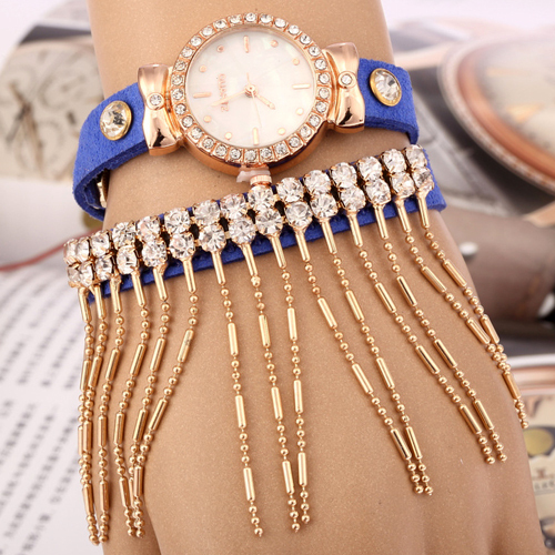 Trendy Women HOT Diamond Hand chain tassel watch 2015 New Fashion Casual Quartz Watch ladies Dress Watch High quality clock A8(China (Mainland))