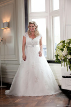 Cap Sleeve V-Neck A-Line Beaded Lace Wedding Bridal Gowns