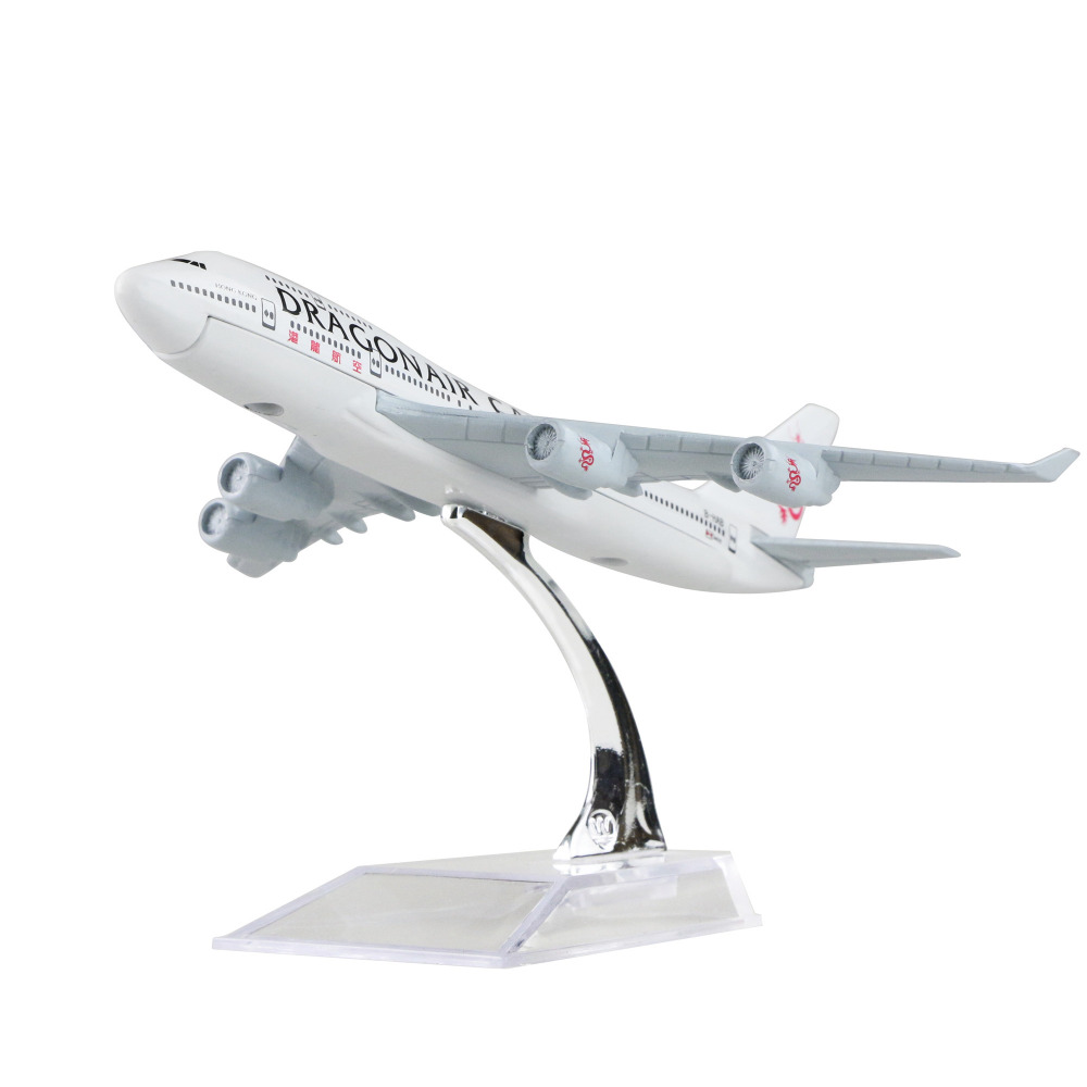 Hong Kong Dragon Airlines Limited Boeing 747-400 air freighter 16cm airplane models child Birthday gift plane models toys(China (Mainland))