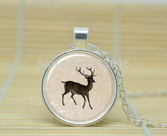 1pcs Reindeer Christmas Necklace, Xmas Hostess Gift, Festive Holiday Jewelry Glass dome Cabochon Necklace A0322(China (Mainland))