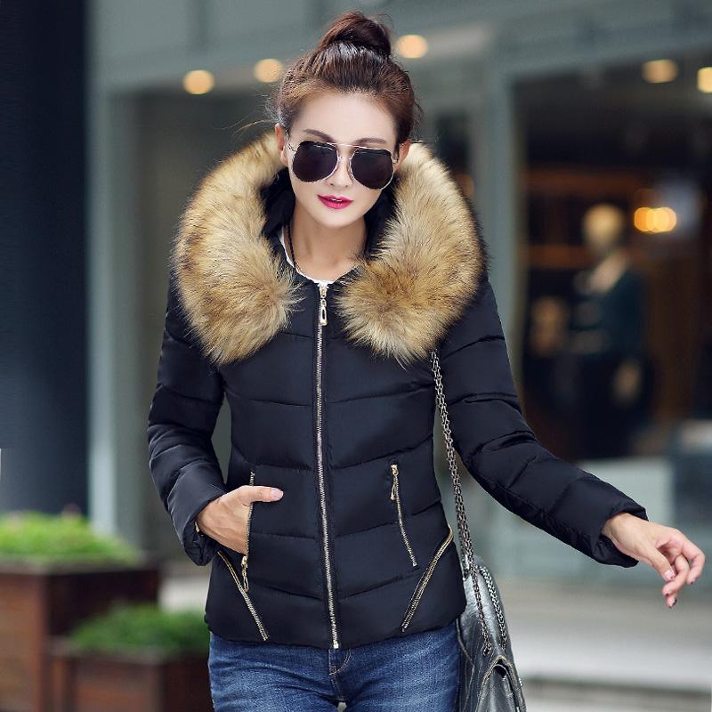2015 новое с капюшоном короткий дизайна вниз хлопок-ватник женщин зимняя куртка тонкий большой меховой воротник Большой размер загущающие пальто