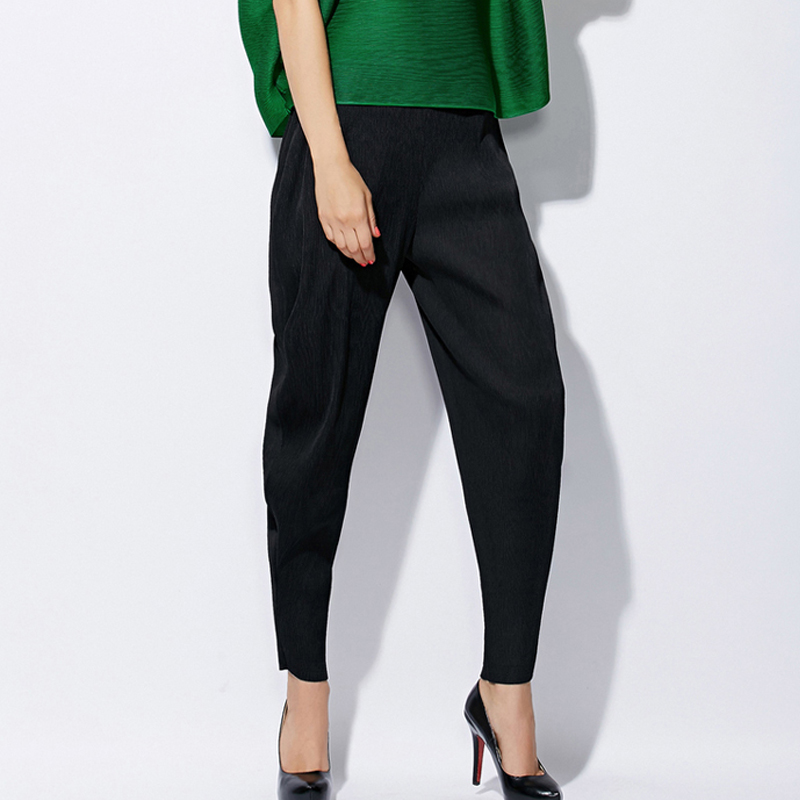 Excellent And Operating Systems Womens Pants Sewing Pattern Available For Download Available In Various Sizes And Is Produced By Burda Style Magazine These Silky Soft Pants Have A Little New Wave Vibe With A High Waist And Pleating Around The