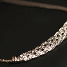 Hot Sale Crystal Spiral Necklace For Women Chokers Necklaces Fashion Necklaces Pendants Vintage Snake Chain Necklace