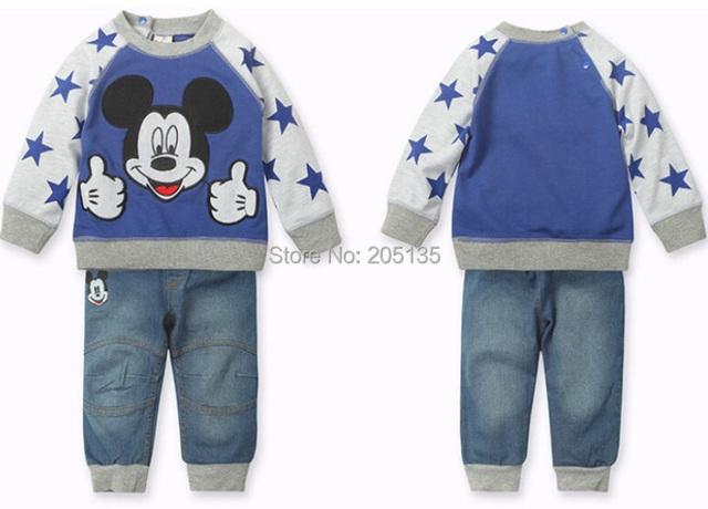 2015 мальчиков комплект одежды детей дети мультфильм костюм свитер + джинсы малыша ...