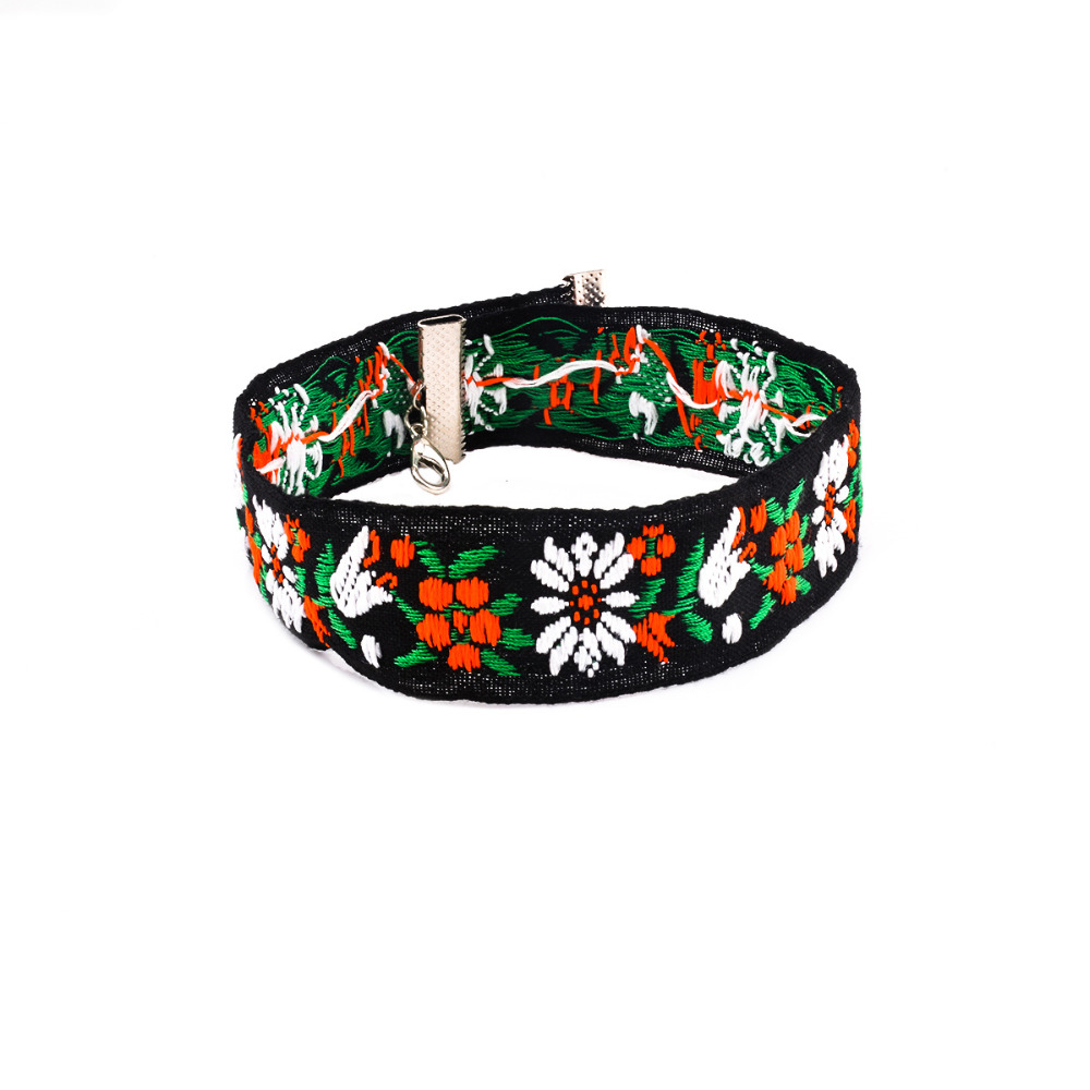 Boho Vintage Unique Folk Wind Flower Embroidered Sweater Collar Necklace Individuality Ethnic African Chain Jewelry Accessories(China (Mainland))