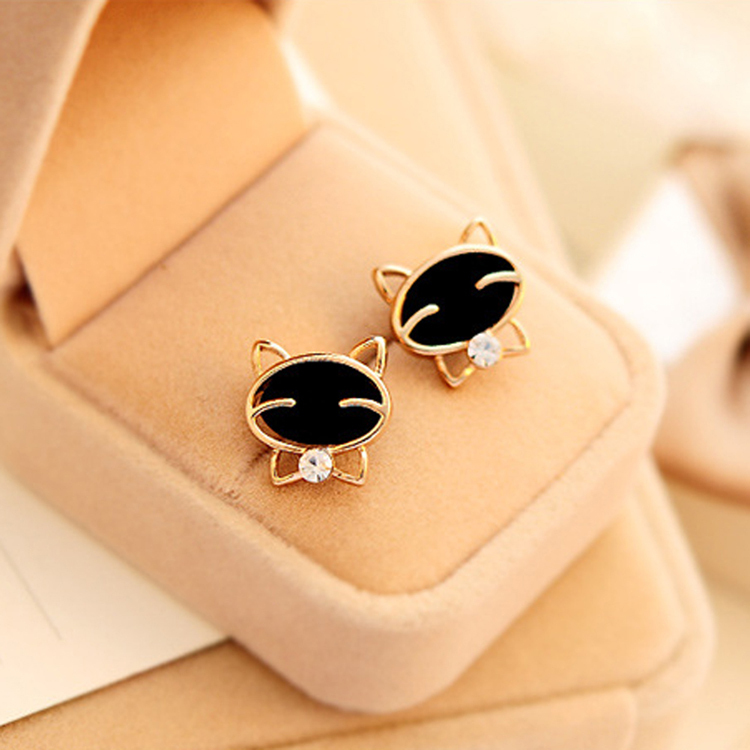 Black Smiley Cat Quality Exquisite Stud Earrings For Women Fine Jewelry New Fashion(China (Mainland))