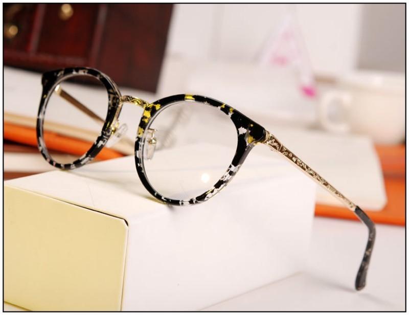 Colorful Caveolae Fashion Woman Brand Glasses Fashion Gold Frame Lady Mirror Glasses Popular Retro Women Glasses Frame