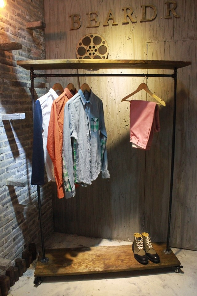 American country to do the old wrought iron wood imitation rust clothing store display shelf hangers<br><br>Aliexpress