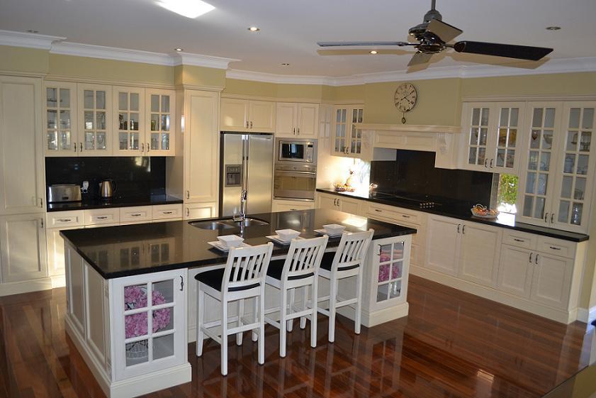 Gabinetes para ba o aluminio for Muebles de cocina con puertas de cristal