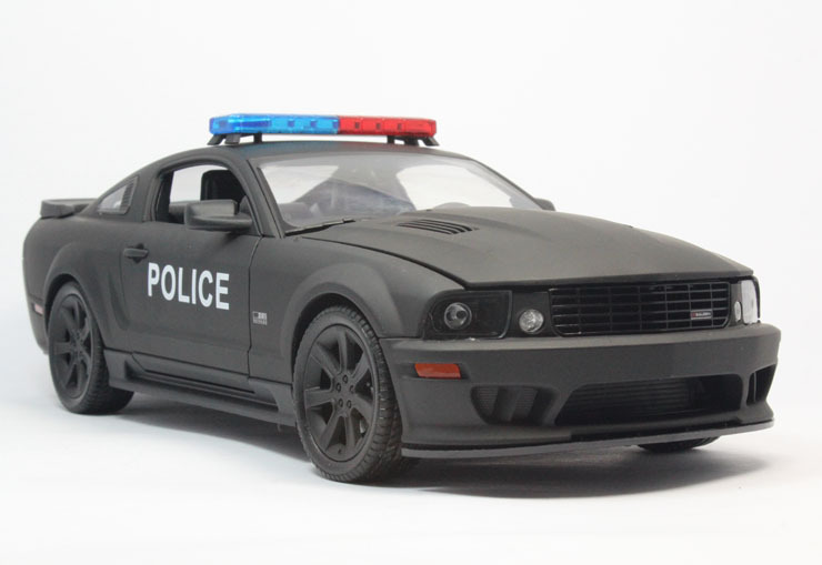 Exclusive High Quality 1:18 Die Cast Metal For Saleen S281 Police Car Dull Black Scale Model Minnie Car Toys Collection Gift(China (Mainland))