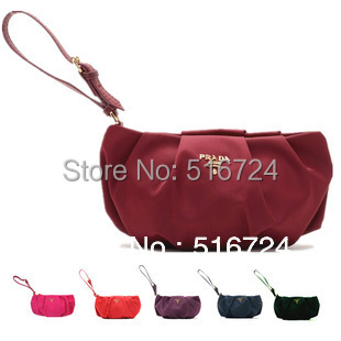 The nylon fold leather handle Bag Cosmetic pull the zipper Clutch Banquet(China (Mainland))