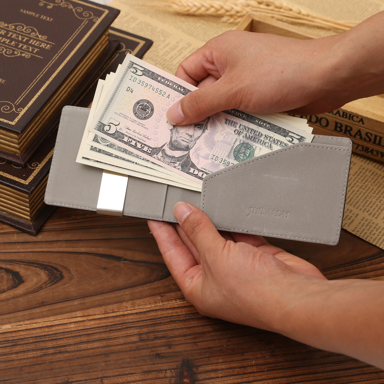 Free shipping pu leather card and money clips fashion New man Bifold New cheap designer square hy48(China (Mainland))