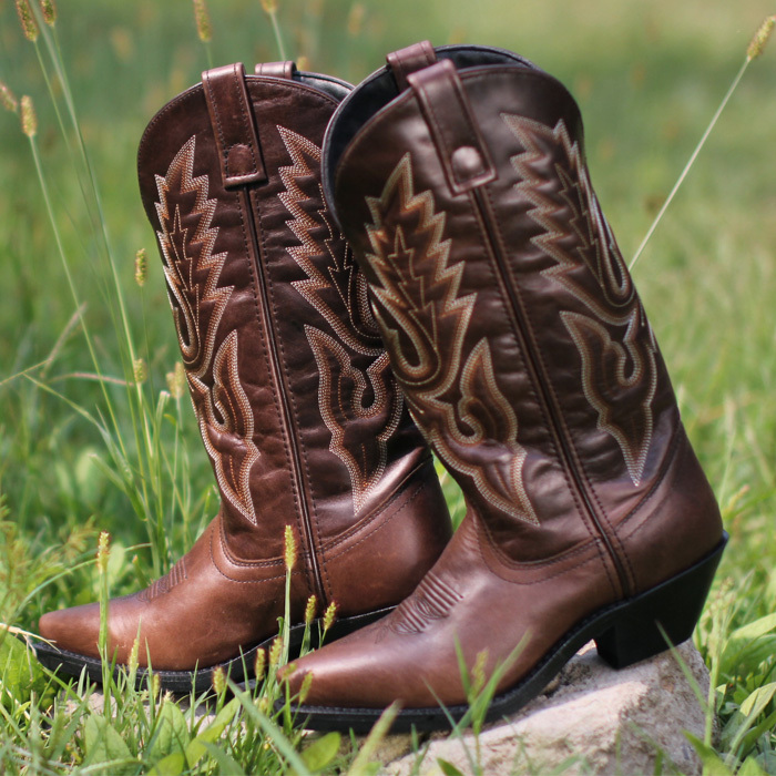2015 COWGIRL COWBOY WESTERN BOOTS WOMEN BOOTS GENUINE LEATHER mid-calf fashion Couple Fashion Leather Boots botas femininas(China (Mainland))