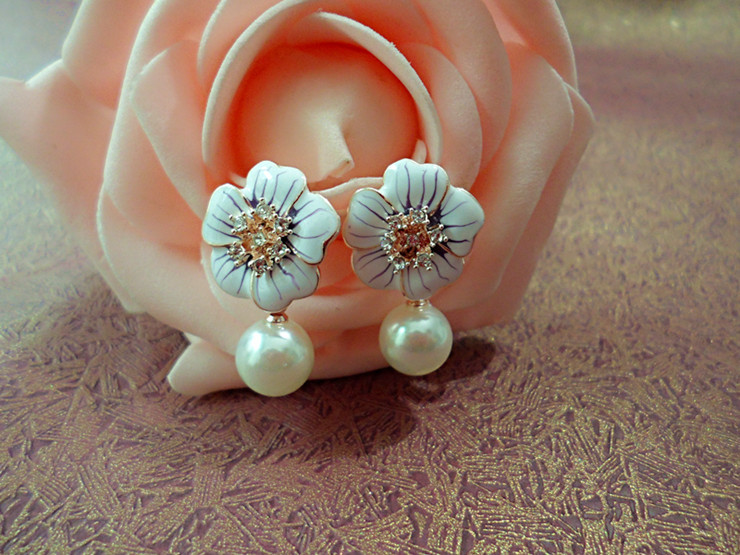 Attractive Design Korean Jewelry Beautiful Purple Rose Pearl Earrings Wholesale Elegant Temperament(China (Mainland))