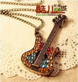 2014 European and American Trade Jewelry Drills Guitar Sweater Chain Necklace XY-N100(China (Mainland))