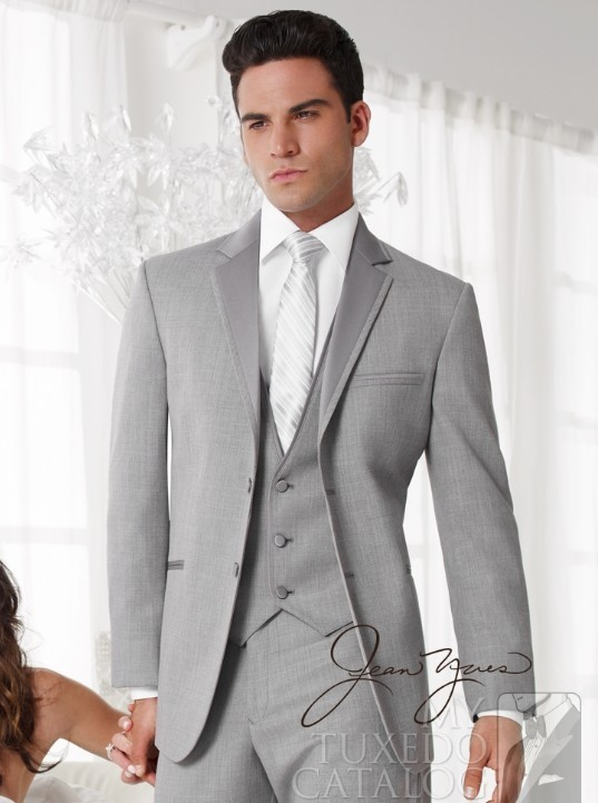custom-made-suits-free-shipping-Light-Grey-Groom-Tuxedos-Suits-custom-wedding-groom-wear-dress-vest