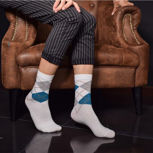 2015 Осень/зима Китайский стиль Классический решетки алмаза Случайный человек носки ...