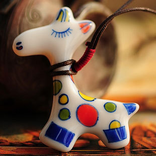 Hot Vintage Cut Cartoon Ceramics Giraffe Pendent Necklace for Women Fashion Women Necklace Gift Accessories Wholesale Jewelry(China (Mainland))