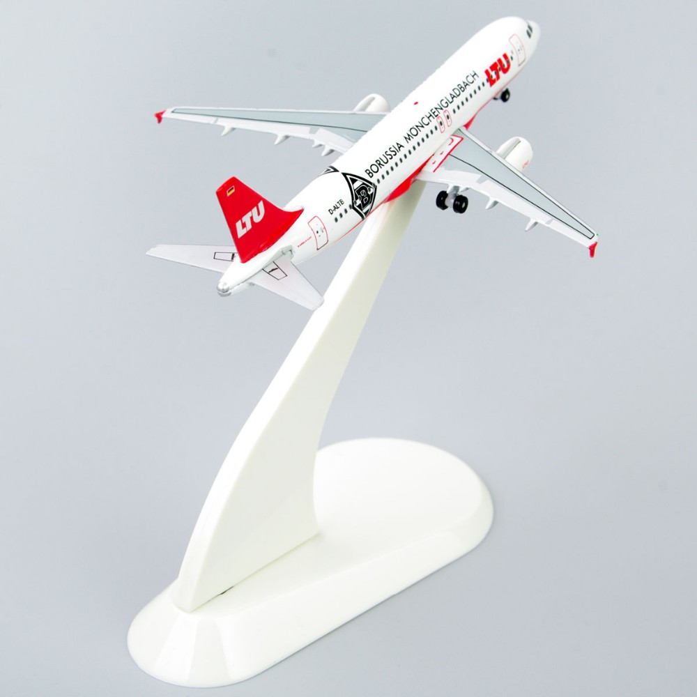 Collectible Airplane Fashions 1:500 Mannequin Airplanes StarJets 1/500 Diecast Plane Mannequin LTU AIRBUS A320 With Unique Field