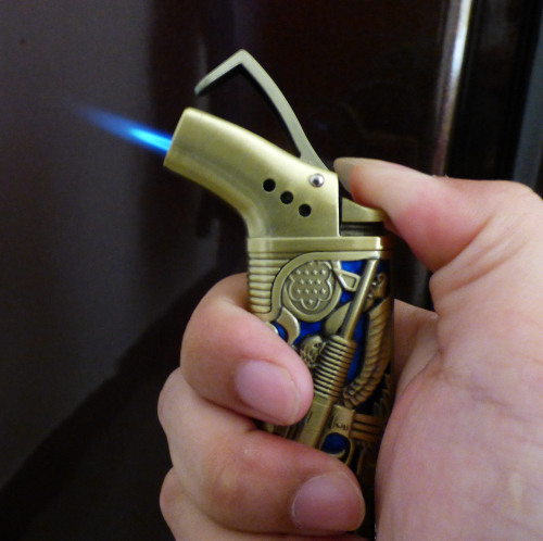 JET FLAME BUTANE LIGHTER GUN SHAPE DESIGN WITH REFILLABLE VALVE FOR CIGARETTE OR CIGAR(China (Mainland))
