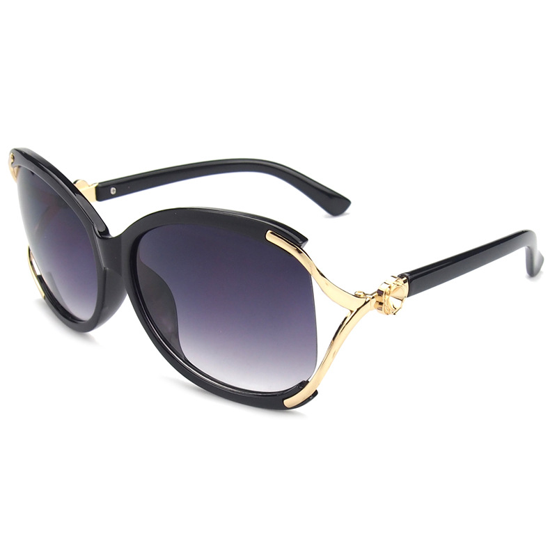 2015 new fashion sunglasses for women lady hollow inlaid crystal retro uv sun glasses brand What style glasses are in fashion 2015