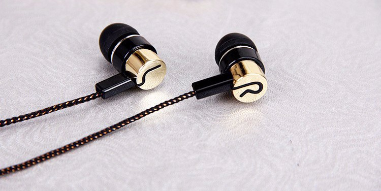 3.5mm Earphone Noise Isolating Headset Wired In-Ear Stereo Metal Headphset Piston Earbuds Universal earphone For Phone Samsung