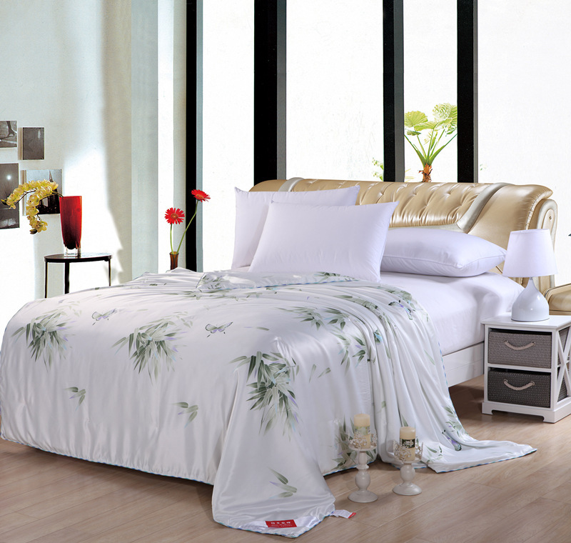 100% Pure Chinese Mulberry Silk Quilt/Comforter/Blanket/Duvet Insert King Queen Full Twin Size White Five Colors(China (Mainland))