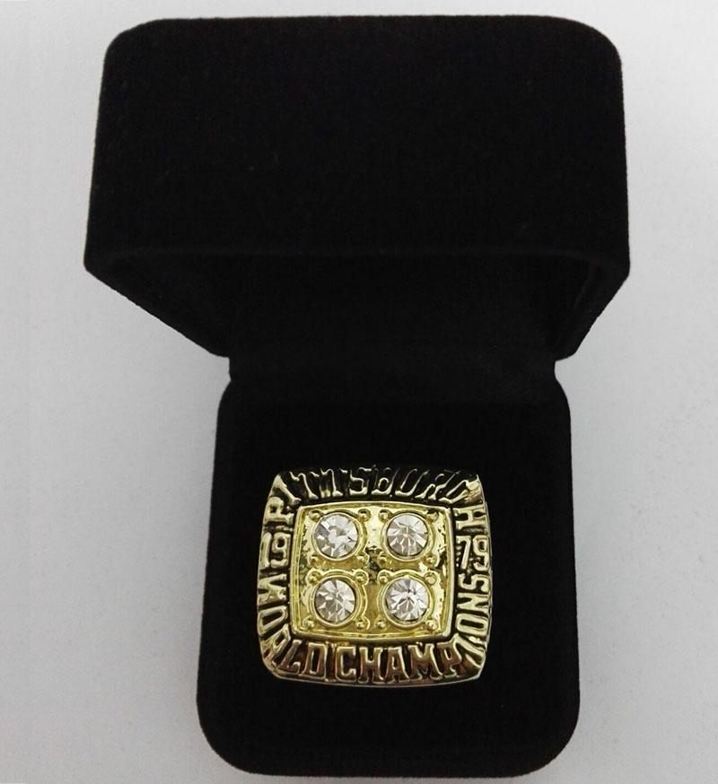 Factory direct sale Velvet box with Super Bowl 1979 Pittsburgh Steelers gold plated Zinc Alloy Sports Replica Championship Rings(China (Mainland))