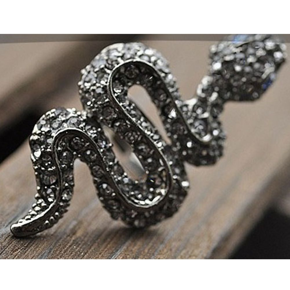 NEW Fashion Jewelry Novelty Design Party Clubwear Finger Rings Rhinestone Exaggerated Snake Shaped Ring for Women(China (Mainland))