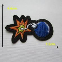 Personagens dos desenhos animados azul bomba de venda de adesivo applique remendo bordado DIY roupas sapatos acessórios de 1 PCS C334
