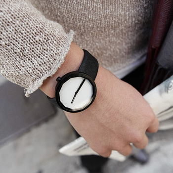 Quality Simplistic & delicate men's watch with titanium material & rhombus face & leather band for Metrosexual man