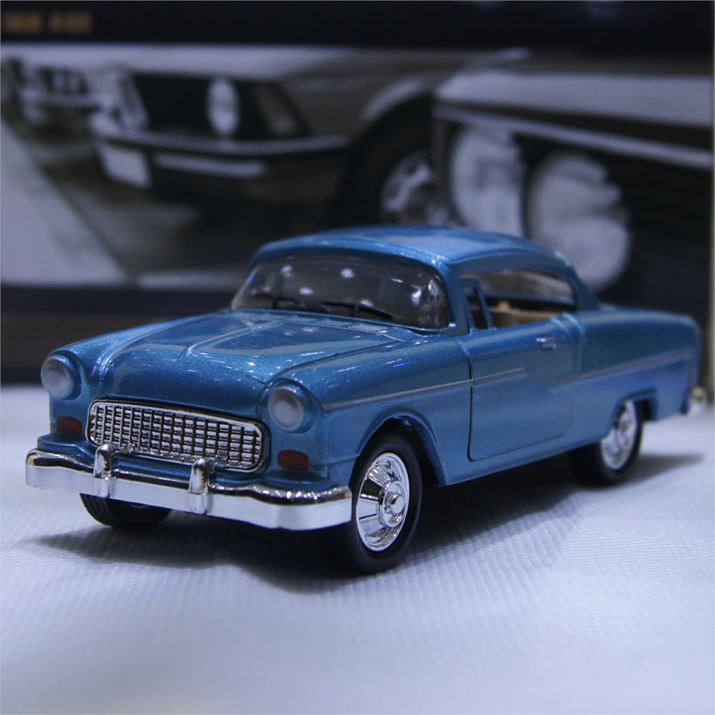 1:32 Classic Chevrolet Wecker Vintage Car Models Alloy Diecast Vehicle Pull Back Car Model Toys Car Collection Gifts #F(China (Mainland))