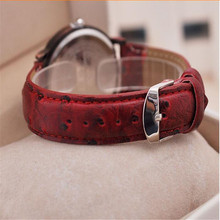 2016 Rushed Glass New Fashion Design Men Vintage World Map Roman Dial Analog Leather Strap Quartz